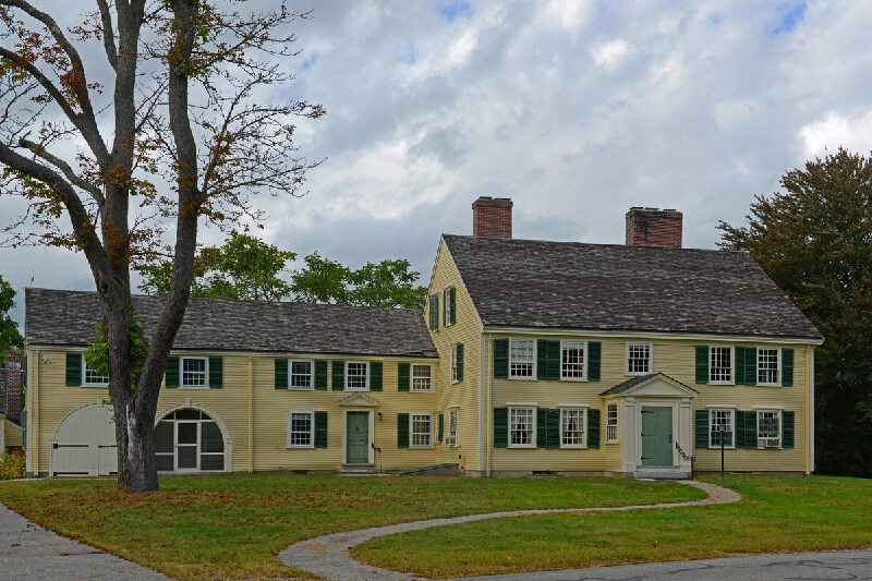 Remax House Colonial Style