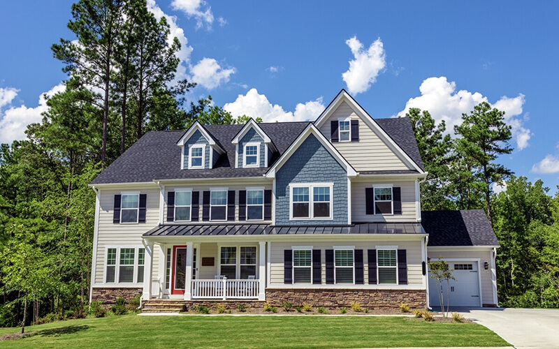 Remax Large Colonial House Hingham