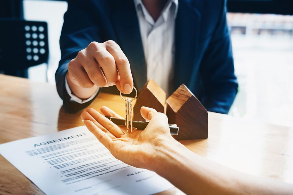 Why it is crucial to hire a real estate agent to sell your home